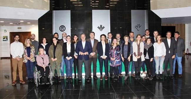 Graduados Curso Comunicación Institucional y Protocolo junto a Manuel Campo Vidal